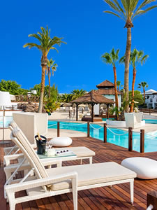 H10 Sentido White Suites Pool